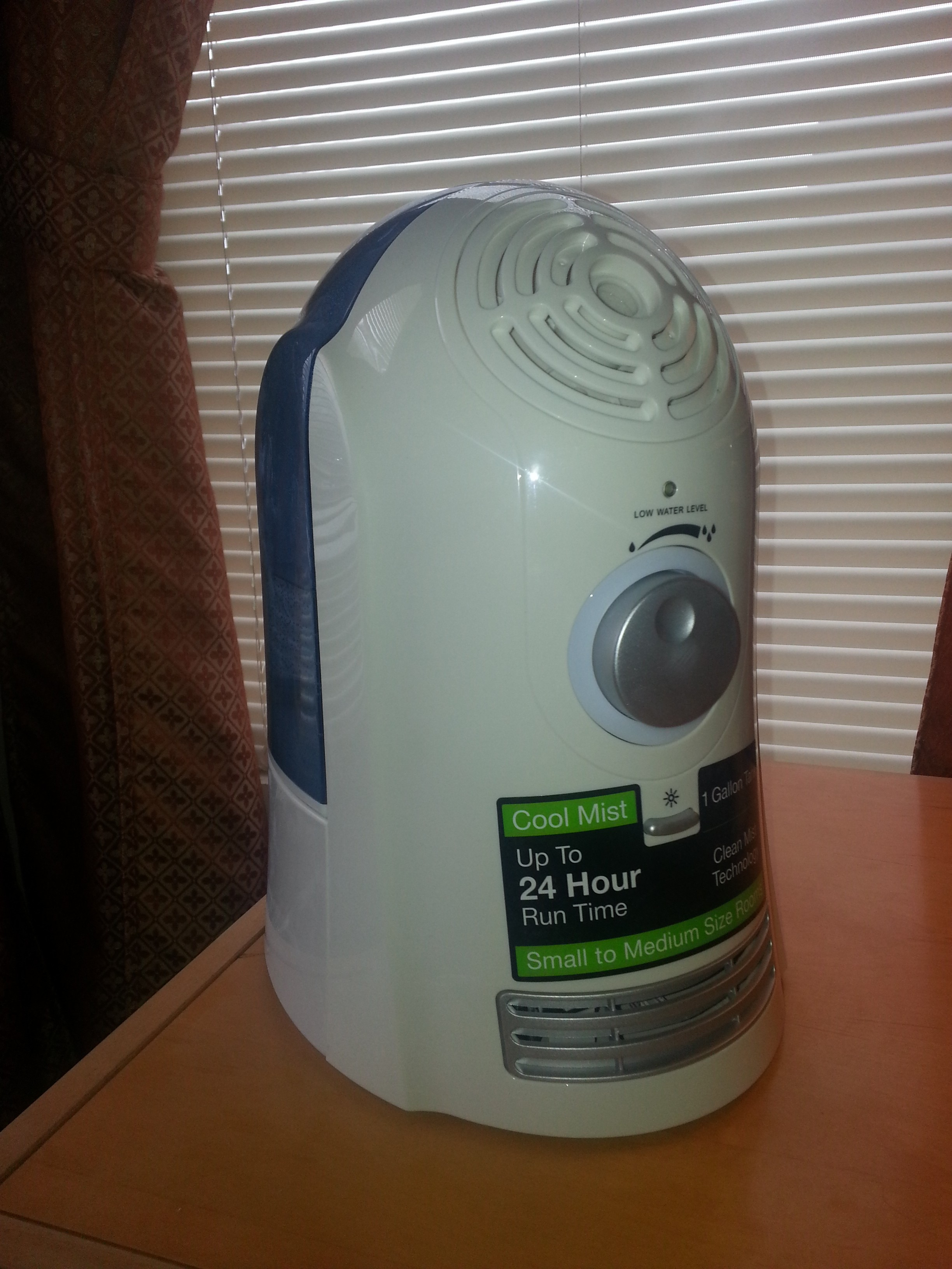 Sooth the Air with the Sharper Image Cool Mist Humidifier