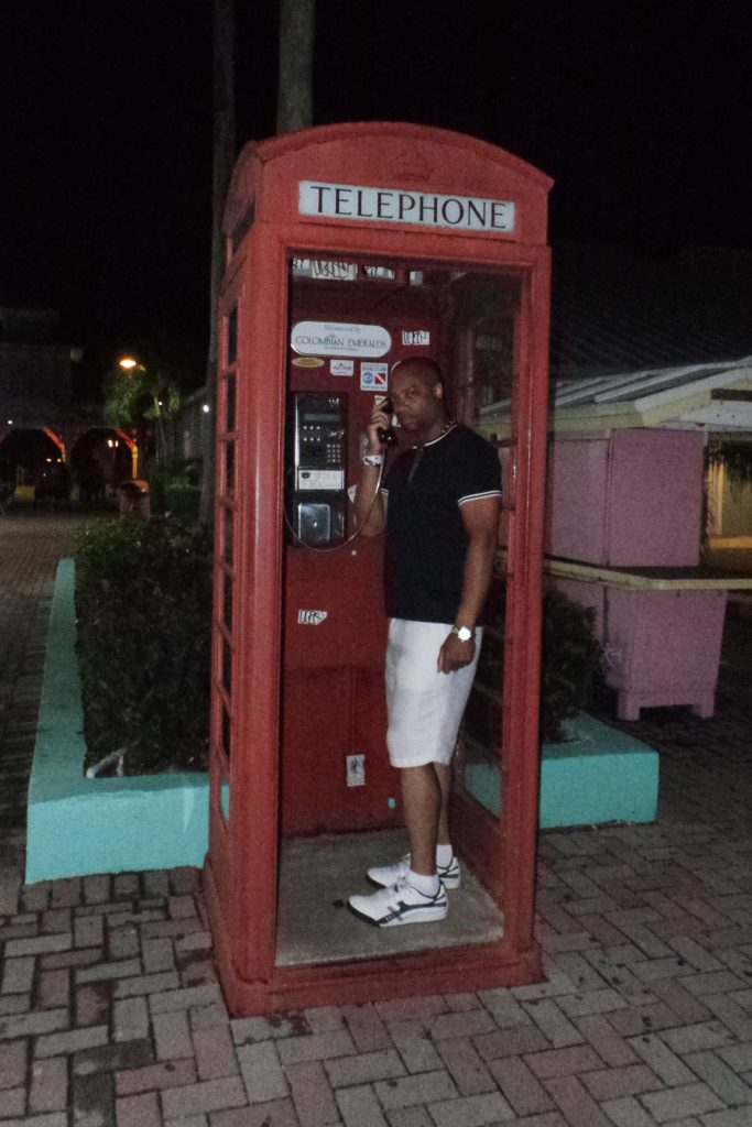 bahamas_phone