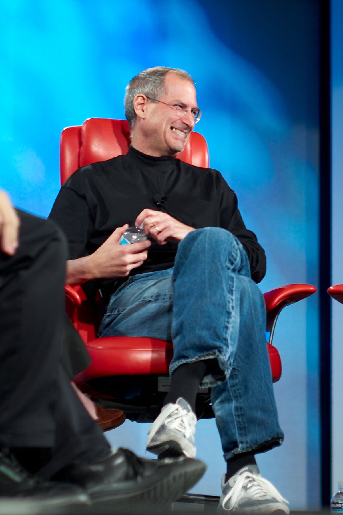 steve jobs style We have never seen such an outpouring of grief for a corporate ceo as we did  when steve jobs died in october people loved him for the.